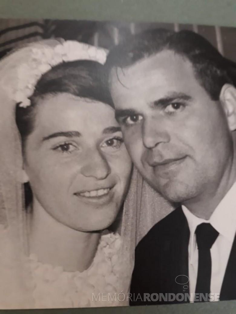 Noivos Edla Zager e Gernoto Salamon, em 27 de setembro de 1969. Imagem: Acervo Andréa Marta Salamon Schimmel - FOTO 2 -