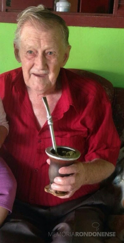 Pioneiro rondonense Emilio Langer nascido em Sananduava (RS), em junho de 1925. Imagem: Acervo Denise Langer - FOTO 2 -