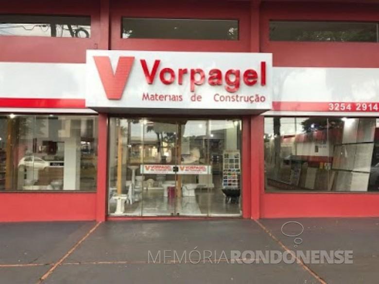 Fachada da loja da empresa Vorpagel Materiais de Construção, em Marechal Cândido Rondon. Imagem: Acervo da empresa - FOTO 8 -