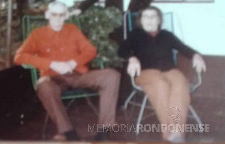 Casal Guilherme e Otilia Sins que chegou de mudança em Marechal Cândido Rondon, no ano de 1953. Imagem: Acervo Donizete Callai Hoerlle (Barreiras - BA) - FOTO 1 -
