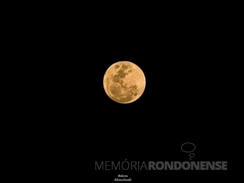 Outro momento da Lua Cheia em Marechal Cândido Rondon, no dia 23 de julho de 2021. Imagem: Acervo e crédito de Roberto Kleinschmidt - FOTO 23 -
