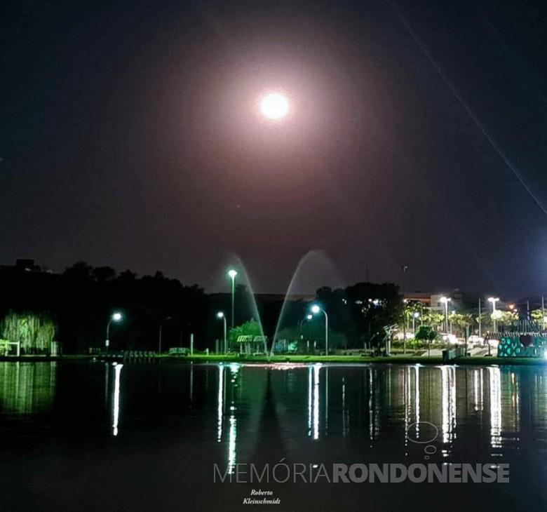 Outro instantâneio de Lua Cheia, na cidade de Marechal Cândido Rondon, captada pelolente do fotógrafo rondonense Roberto Kleinschmidt - FOTO 22 -