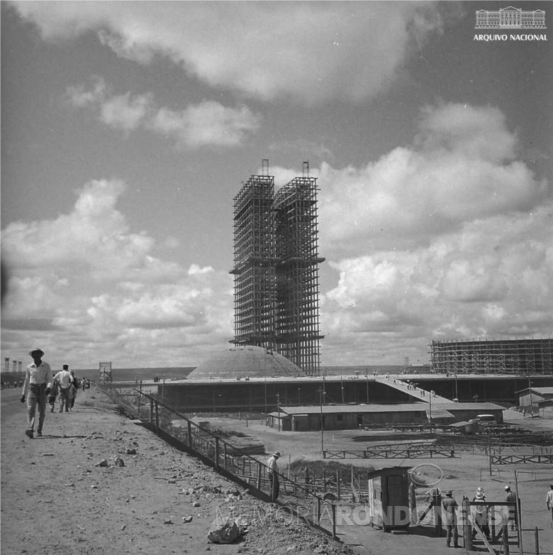 Construção do Congresso Nacional em BRasília, em 1959.  Imagem> Acervo Arquivo Naional - FOTO 4 -