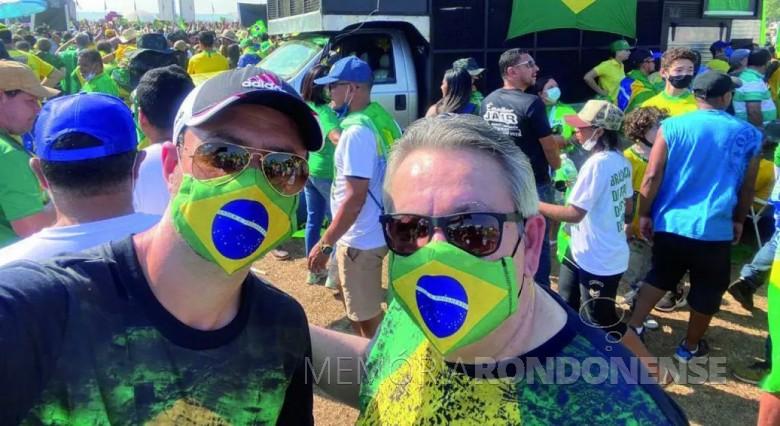 Advogado rondonense Oscar Nasighil (d) participando em Brasília da manifestação popular de 07 de setembro de 2021. Imagem: Acervo O Presente - FOTO 14 -
