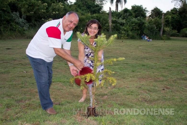 Casal Marlene e José Carlos Schiavinato, ambos falecidos em 2021. Imagem: Acervo Divulgação/Facebook - FOTO 15 -