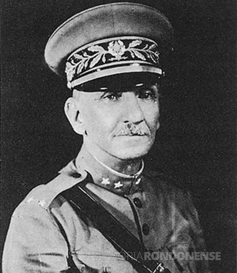 General Isidoro Dias Lopes, comandante das forças revolucionárias paulistas, que se refugiou na cidade de Guaíra (PR), em outubro de 1924. Imagem: Acervo CPDOC - Fundação Getúlio Vargas (FGV) - FOTO 6 -