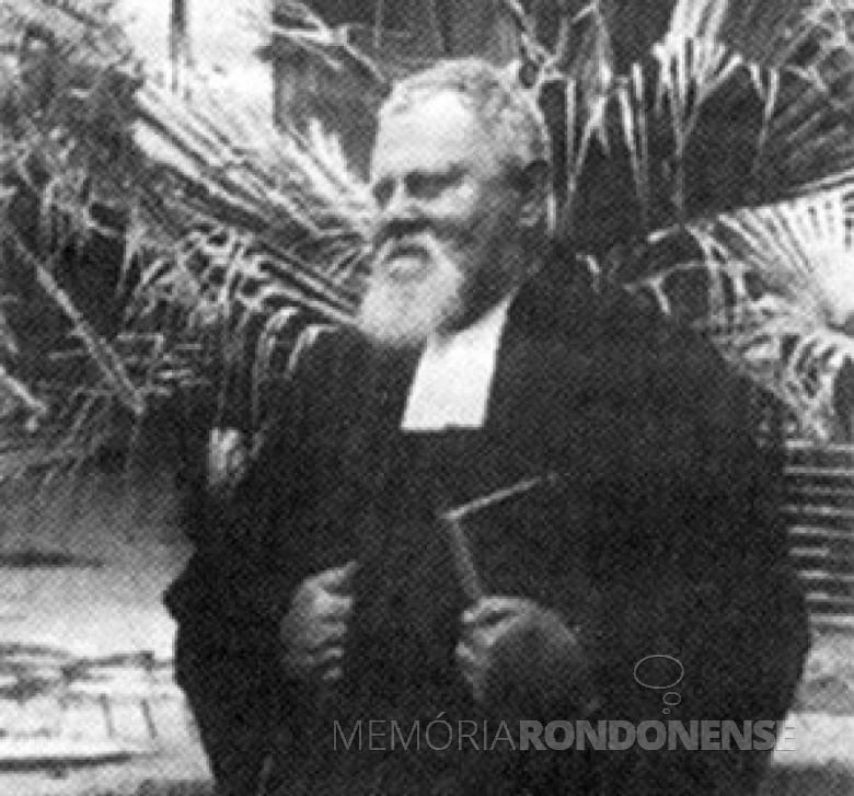 Pastor Otto Kuhr, fundador do Sínodo Luterano Paraná/Santa Catarina, em 1905.  Imagem: Acervo Jornal O Caminho - FOTO 2 -