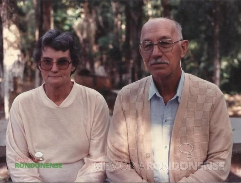 O pioneiro Hartwig Schade com sua esposa Herta Hassemer, também pioneira em Marechal Cândido Rondon. Imagem: Acervo Herta Hassemer Schade - FOTO 6 -