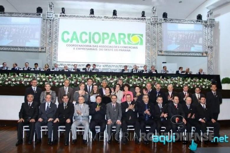 Empresário Sérgio Marcucci e seus companheiros de diretoria e do Conselho Fiscal. O empresário Sérgio Marcucci é o sétimo entre os sentados, da esquerda a direita. Imagem: Acervo AquiAgora.net - FOTO 7 -
