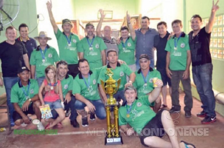 Equipe de bocha 48 de Entre Rios do Oeste  campeã intermunicipal da modalidade 2015.  Imagem: Acervo O Presente - FOTO 6 -