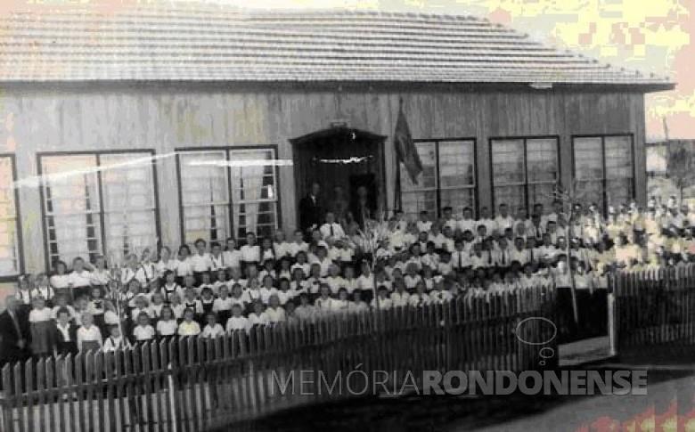 A segunda unidade escolar edificada pela Sociedade Escolar de General Rondon, a Rua de Men de Sá.  Imagem: Acervo Escola Municipal Jean Piaget - FOTO 2 -