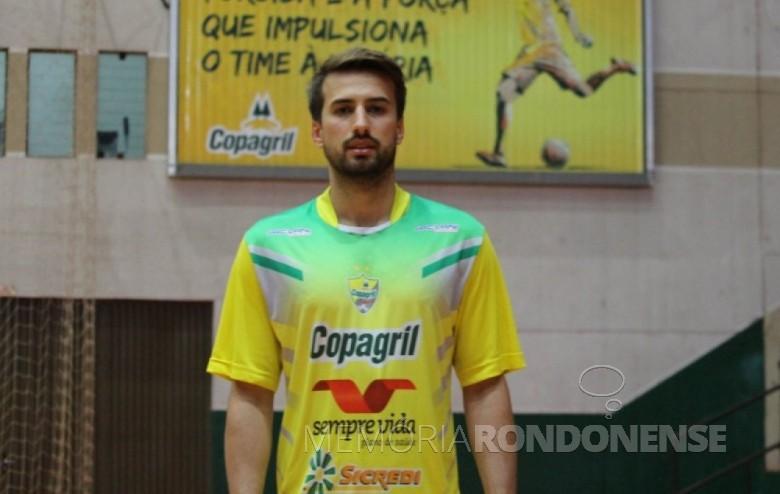 Ala esquerda Thiago Bissoni que deixou a equipe da Copagril Futsal, em 31 de agosto de 2016. Imagem: Acervo AquiAgora.net - FOTO 10 -