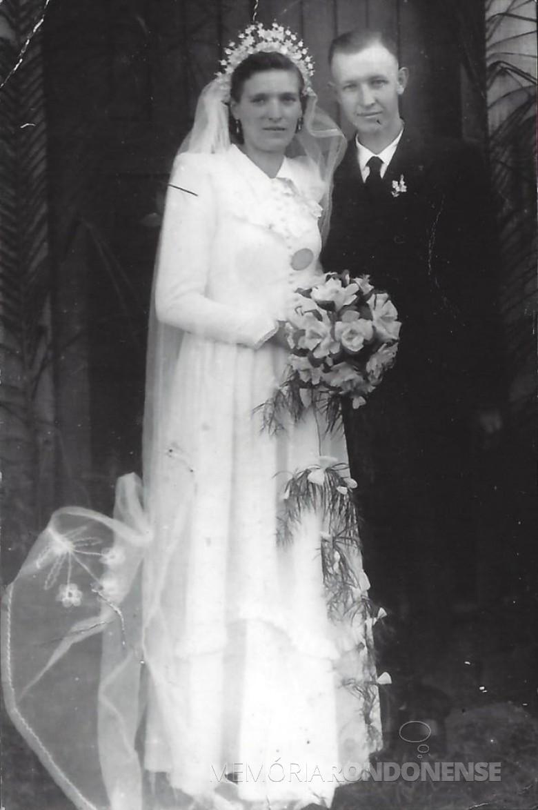 Os noivos Lauro Schöne e Elfrieda Vorpagel que casaram em 23 de junho de 1956.  Imagem: Acervo da família