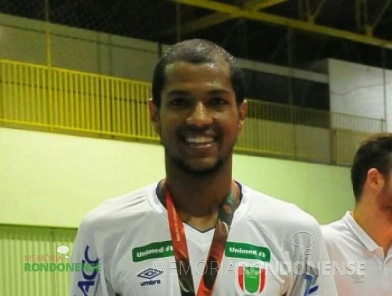 Pivô Marquinhos contratado pela Copagril Futsal para temporada 2016. Imagem: Acervo Imprensa Copagril - FOTO 4 -