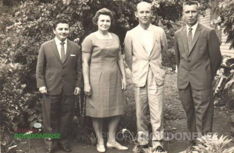 Pioneiro Ervino Finger   (primeiro, à direita) com seus irmãos, fotografados em 1964. Imagem: Acervo Cleci Kleemann e Clarice Dahmer - FOTO 1 -