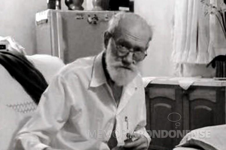 Agrimensor Henrique Jorge Isernhagen que chegou ao Oeste do Paraná em 1951.  Imagem: Acervo Adair Krolow - Curitiba - FOTO 2 -