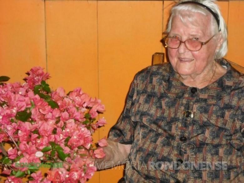 Ervina Harness Wulff, esposa de Reinoldo Roberto Wulff, que chegou a Marechal Cândido Rondon, em 06 de setembro de 1964, e foi residir com sua família na Linha Ajuricaba. Imagem: Acervo Vilton Graff - FOTO 5 -