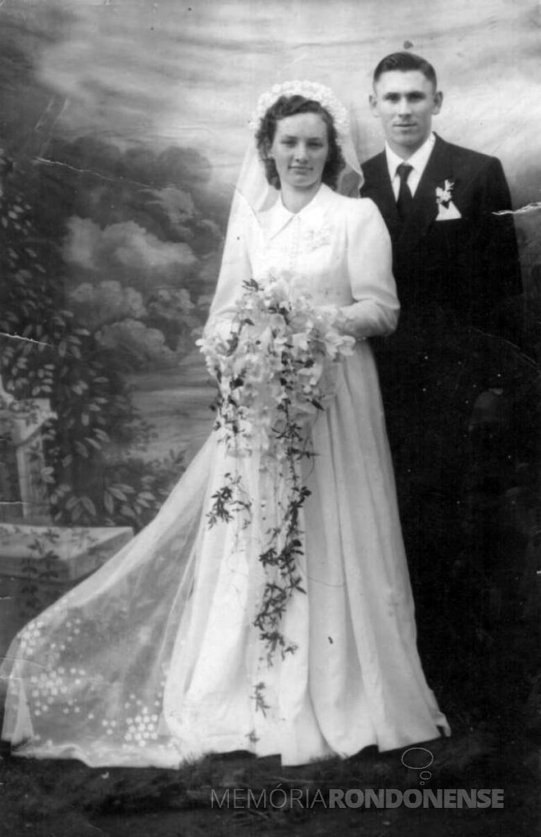 A pioneira Hildegard Weimann, falecida em 09 de fevereiro de 2001, no dia de seu casamento com Herbert Boroski, em 23 de junho de 1956.  Imagem: Acervo Cláudio e Merci Lindner - FOTO 3 -