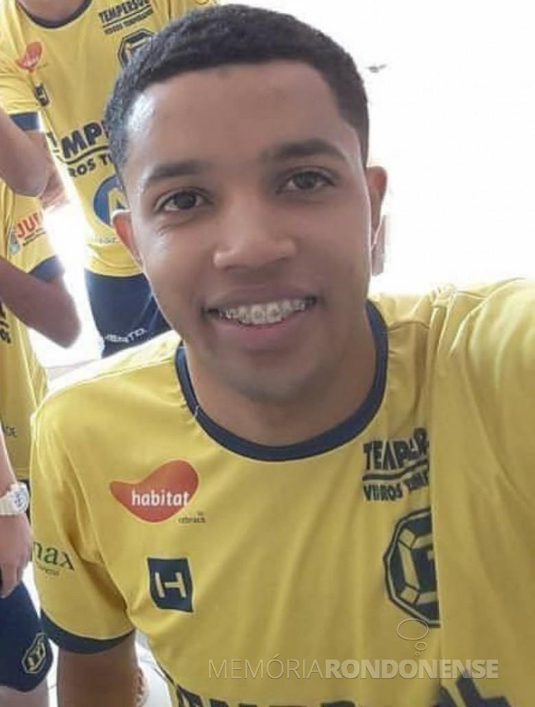 Pivô Rick (Cleiton Henrique Aparecido Ferreira Alves) contratado pela Copagril Futsal, em 19 de junho de 2017.  Imagem: Acervo AquiAgora.net - FOTO 11 -