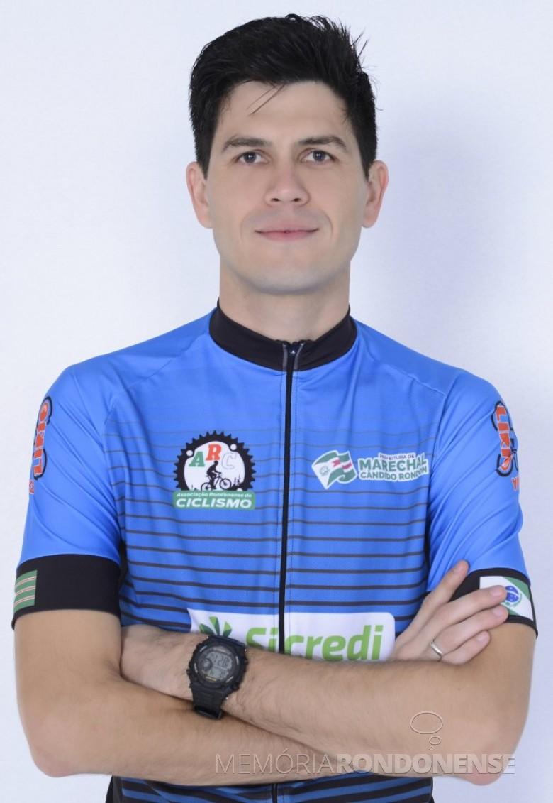Ciclista Jean Michel Silva, que em 3º lugar na categoria Amador 1 Sport, na etapa de Assis Chateaubraind, do Regional Oeste de Mountain Bike 2018.  Imagem: Acervo ARC - FOTO 9 -