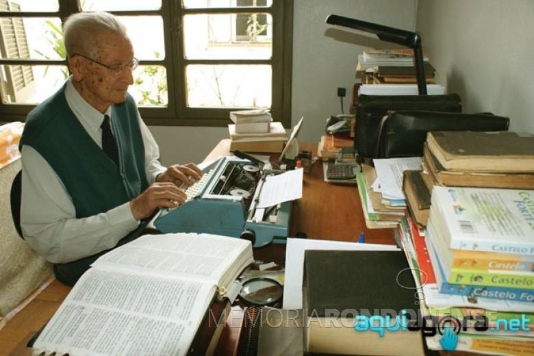 Pastor Guilherme Lüdke fotografado ao completar 104 anos de vida, com residência em Marechal Cândido Rondon.  Imagem: Acervo AquiAgora.net - FOTO 1 -