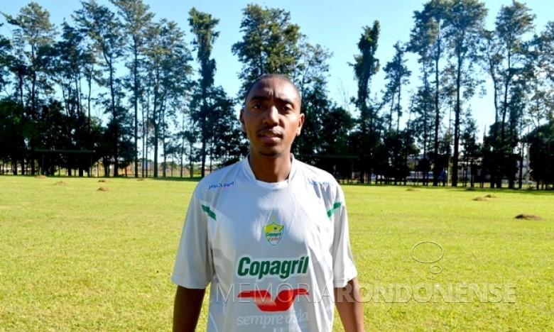 Preparador físico Raphael Martins junto a Copagril Futsal.  Imagem: Acervo O Presente - FOTO 6 -