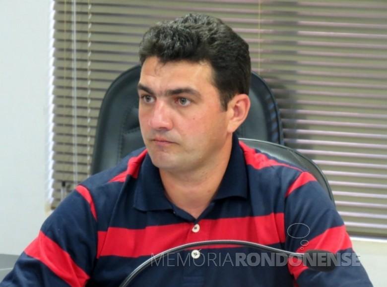 Vereador Adriano Backes, autor do projeto de lei que institui a Semana Municipal de Atenção ao Idoso, na cidade de Marechal Cândido Rondon.  Imagem: Acervo PontodeNotícia - FOTO 7 -