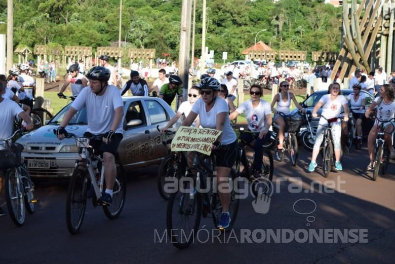 Ciclistas saindo em passeata no Parque da Lazer Rodolfo Rieger pela recuperação de Renan Francisco Schroeder.  Imagem: Acervo AquiAgora.net - FOTO 4 -