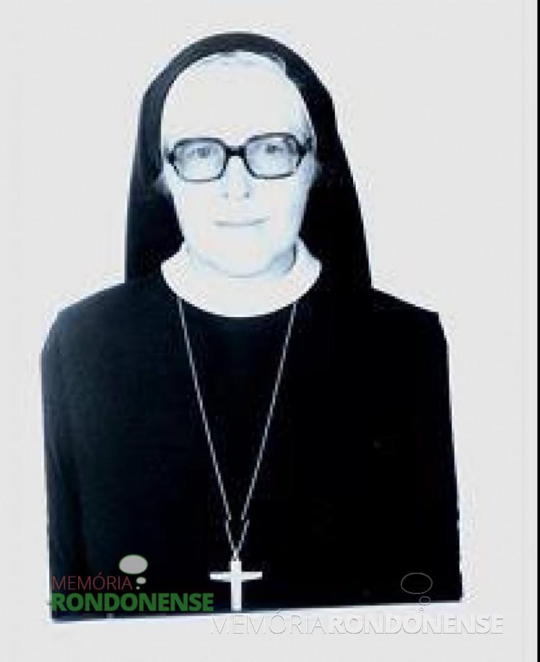 Irmã Christiane foi a terceira diretora do extinto Educandário Sagrado Coração de Jesus, de Quatro Pontes.  Imagem: Acervo Congregação Missionárias                               Servas do Divino Espírito Santo - Ponta Grossa - PR - FOTO 1 -