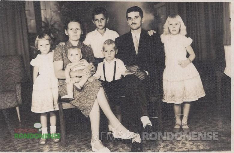 Casal Isabela (nascida Jeziorni) e Arthur Winter com os filhos Elio Edvino, Ivone, Lori, Gerda e Felipe Imagem: Acervo  do casal. - FOTO 1 -