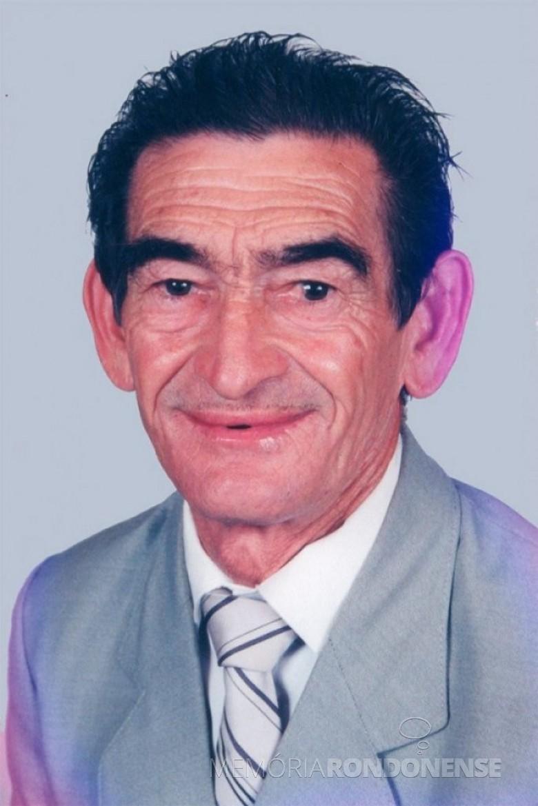 Pioneiro Germino Bresolin que foi homenageado com seu nome a rodovia que interliga a sede distrital de Margarida ao município de Pato Bragado. Imagem: Acervo Câmara Municipal de Marechal Cândido Rondon - FOTO 3 -