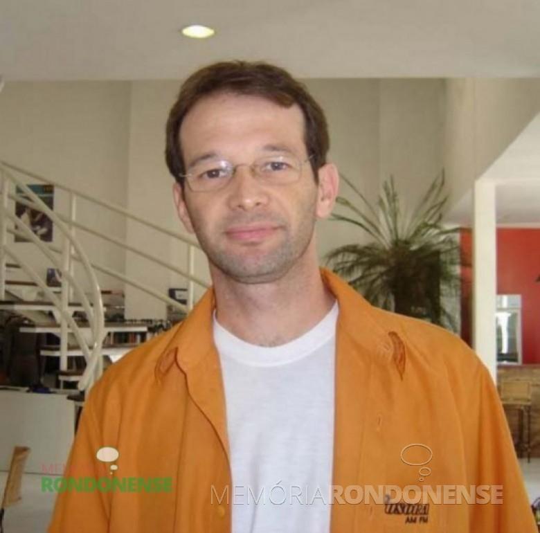 Comunicador César Reck que começou a trabalhar na Rádio Difusora, em 01 de fevereiro de 2009 Imagem: Acervo pessoal - FOTO 3  -