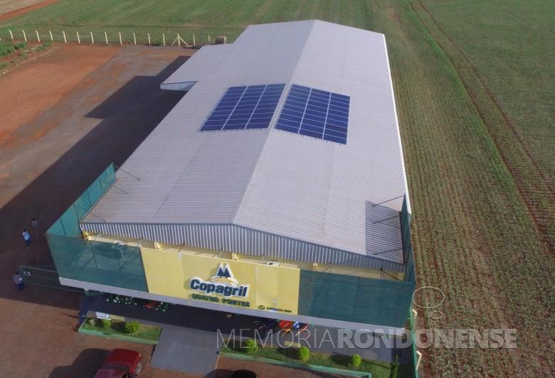 Loja agropecuária da Copagril em Quatro Pontes onde foi instalada a primeira unidade de produção fotovoltaica. Imagem: Acervo Imprensa - Copagril  - FOTO 03-