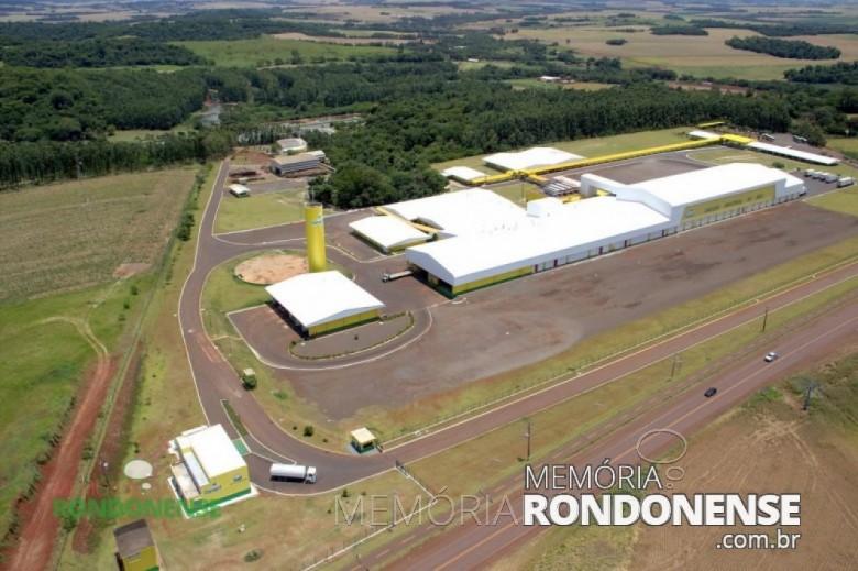 Vista aérea da unidade de aves da Copagril, localizada no lado oeste da cidade de Marechal Cândido Rondon. Imagem: Acervo O Presente - FOTO 1-