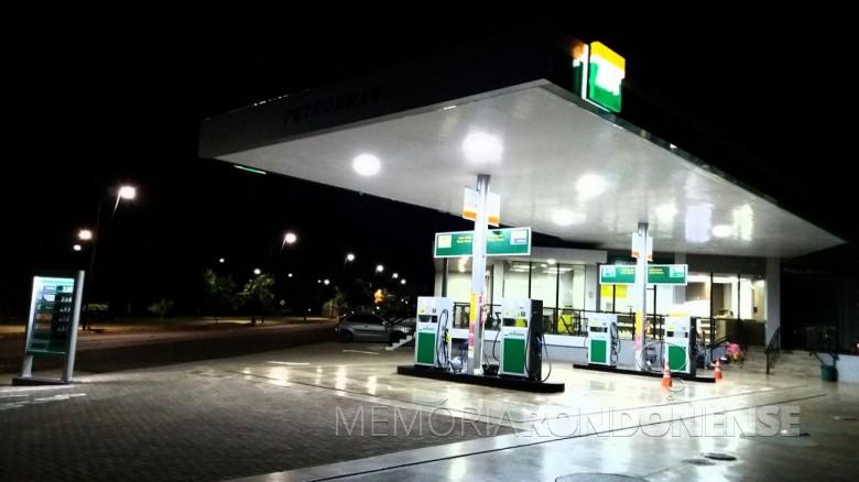 Auto Posto Costa Oeste, na sede municipal de Entre Rios do Oeste, inaugurado em 18 de fevereiro de 2017.  Imagem: Cleyton Gonçalves/Facebook - FOTO 6 -