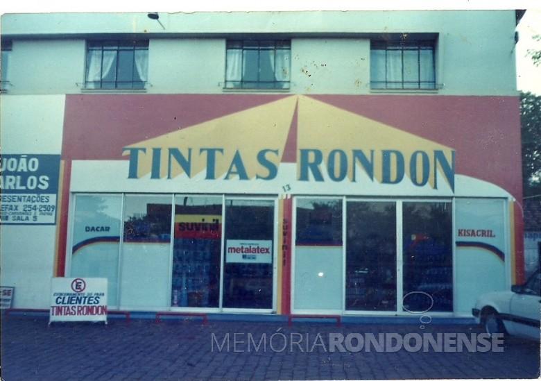 A segunda se da empresa Tintas Rondon, à Avenida Maripá.  Imagem: Acervo Tintas Rondon - FOTO 6 -