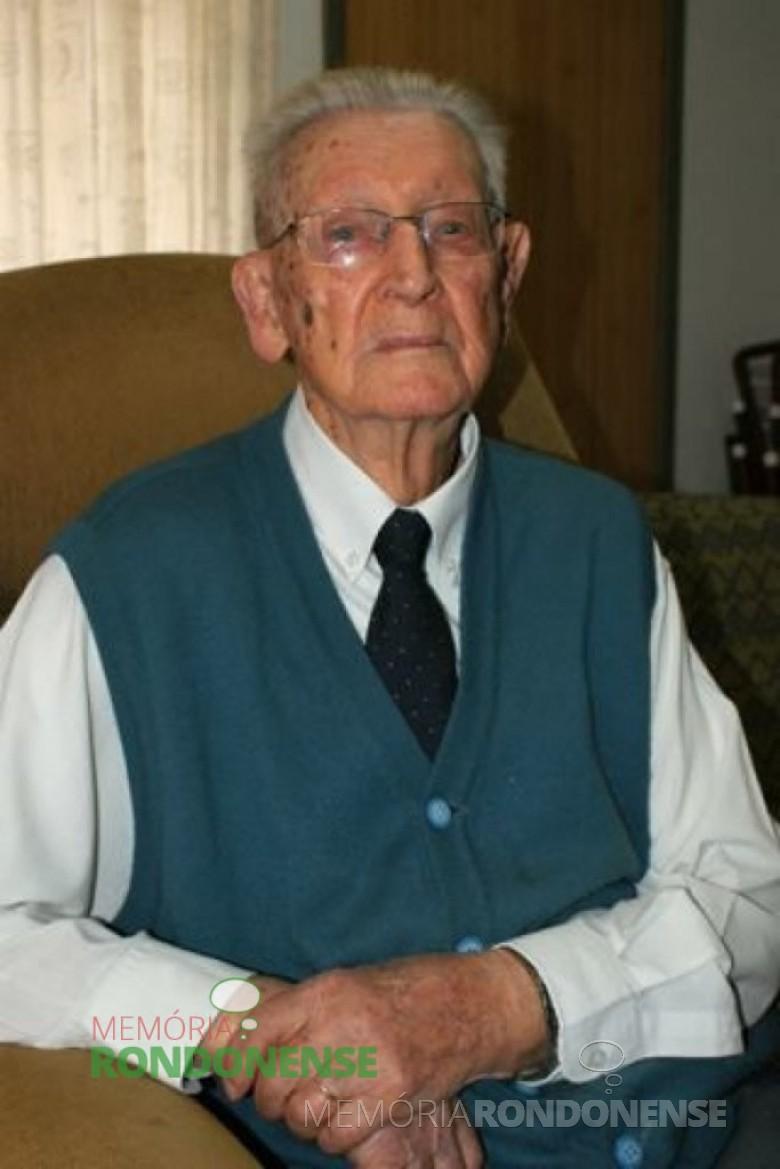 Pastor Guilherme Lüdke, fotografado no dia do seu 100º aniversário. Imagem: Arquivo O Presente - FOTO 5 -