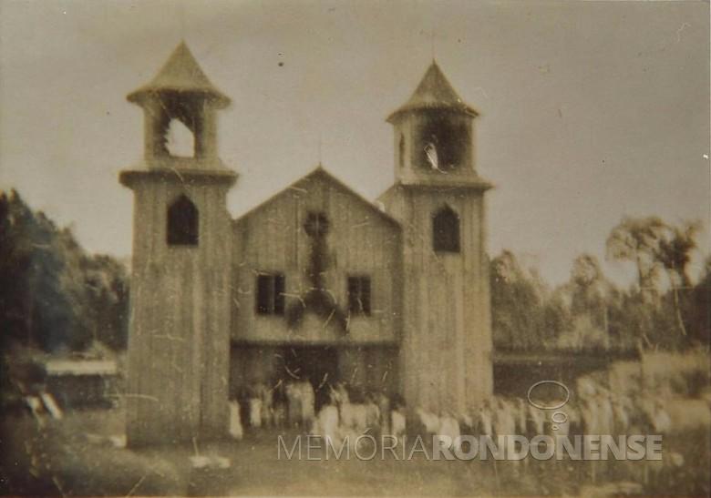 Primeira igreja católica construída em Vila Margarida.  Imagem: Acervo Centro de Pesquisa e História - Prefeitura Municipal de Marechal Cândido Rondon