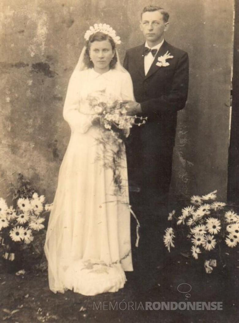Os noivos Norma Poetcker e  Arlindo Alberto Lamb.  Imagem: Acervo da família