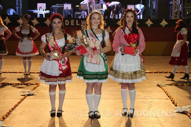 Soberanas da Oktoberfest 2018 de Marechal Cândido Rondon: Géssica Gisele Selhorst (e), primeira pincesa; Sandra Cristina Ruschel, rainha;  e Dayane Caroline Inhonhatto, 2ª princesa.  Imagem: Acervo Imprensa PM-MCR - FOTO 16 -