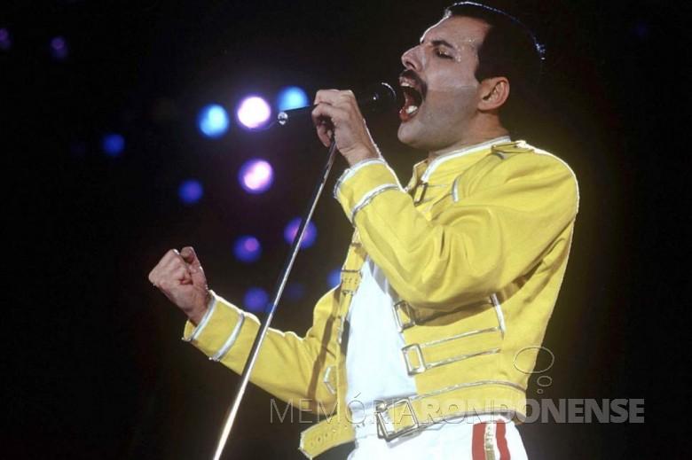 Músico  anglo-africano Freddie Mercury falecido em novembro de 1991.  Imagem: Acervo Evening Standard - FOTO 4 -