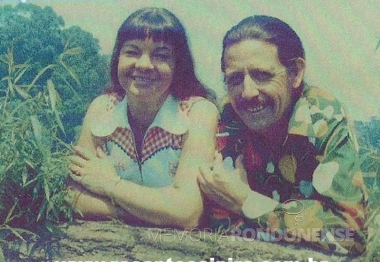 A dupla de música caipira e humorismo Compadre Moreira e Adelaide que se apresentou pela primeira vez em Marechal Cândido Rondon, em 17 de setembro de 1971.  Imagem: Acervo Mundo Caipira - FOTO 3 -