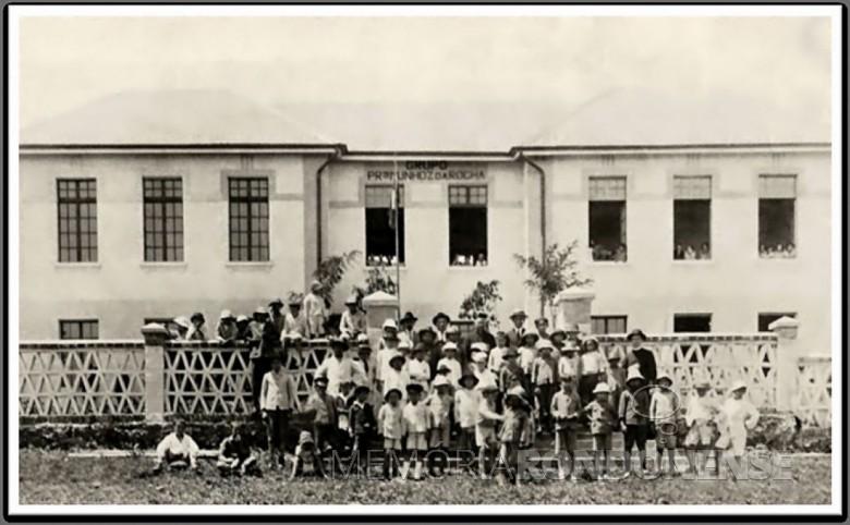Grupo Escolar Prof. Munhoz da Rocha que começou a funcionar no começo de 1928.  Imagem: Acervo Wagner Dias - Foz do Iguaçu - FOTO 3 -
