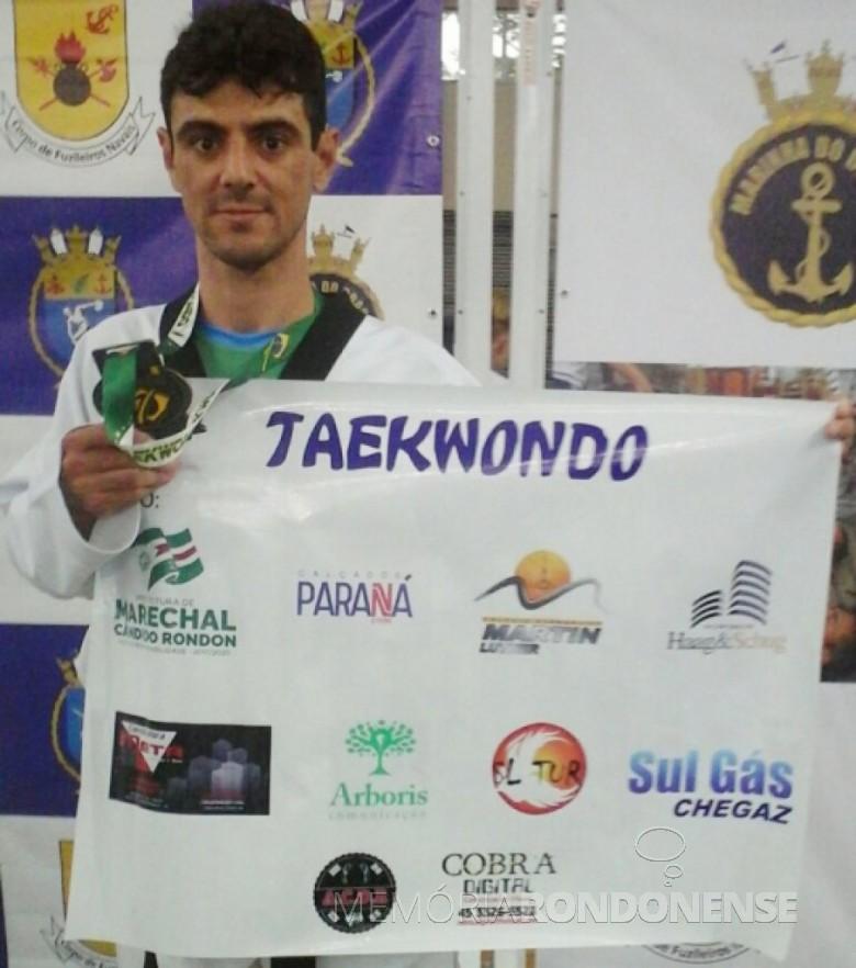 Atleta rondonense Pedro Alencar que sagrou-se em 3º lugar no Campeonato Brasileiro de Taekwondo, na cidade do Rio de Janeiro.  Imagem: Acervo Portal Rondon - FOTO 9 -
