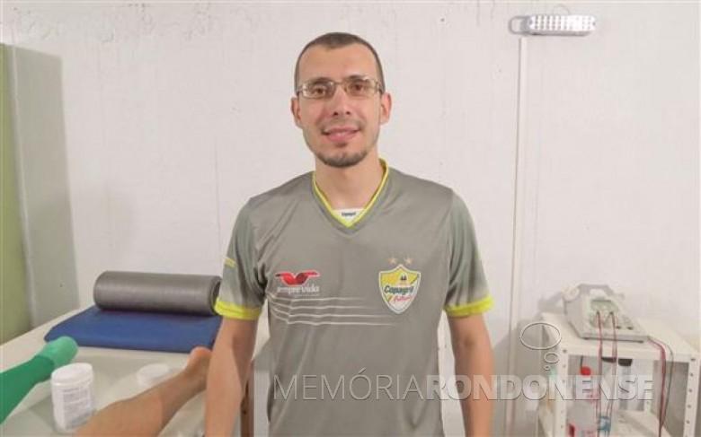 Fisioterapeuta Tiago Duarte Vieira, da Copagril Futsal e também da Seleção Brasileira de Futsal.  Imagem: Acervo o Presente - FOTO 6 -