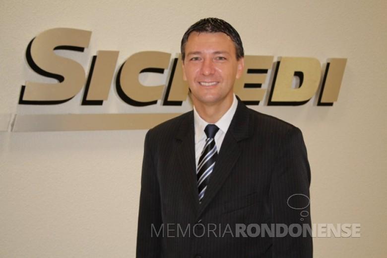 Gilson Metz que assumiu a diretoria de negócios da Sicredi Aliança PR/SP, em 18 de maio de 2015.  Imagem: Acervo AquiAgora.net - FOTO 3 -