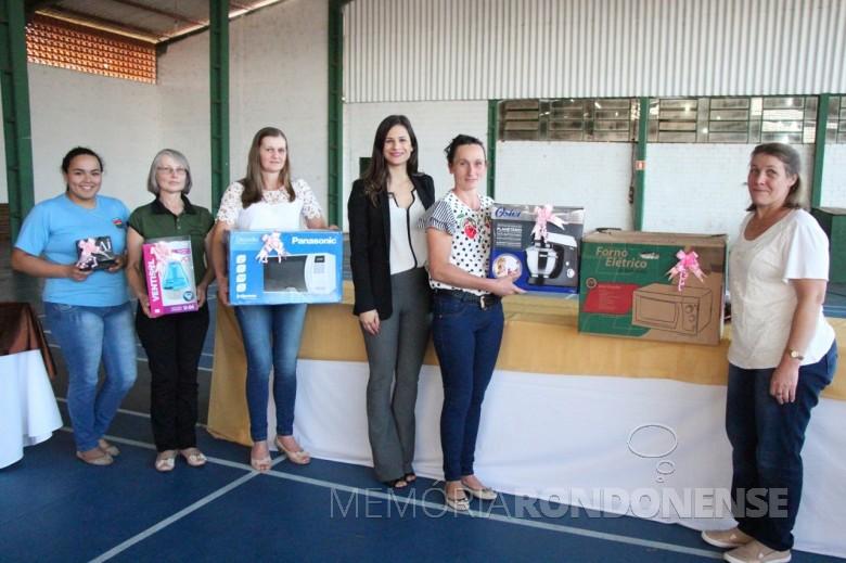 Premiação das vencedores do Concurso de Pratos de Marechal Cândido Rondon 2018.  Da esquerda à direita:  Maria Paula Coutinho Lopes, 5ª colocada, com o prato