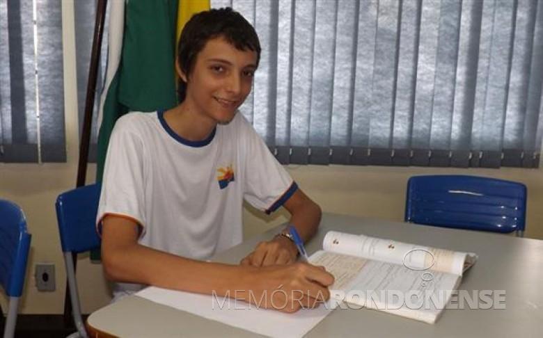 Thiago Alessi Reichert classificado entre os 500 melhores alunos na Olímpíada de Matemática das Escolas Públicas.  Imagem: Acervo O Presente - FOTO 6 -
