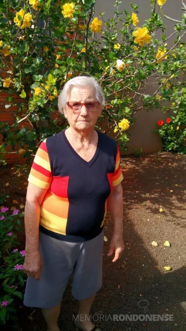 A pioneira Olinda Camila Viteck no dia de seu aniversário de 90 anos, em junho de 2019.  Imagem: Acervo Erci Viteck - FOTO 7 -