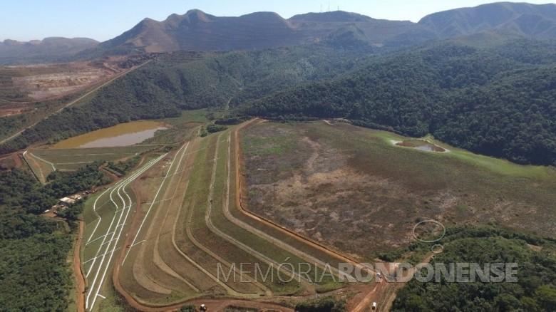 Barragem 1 do Mina do Córrego do Feijão antes do rompimento.  Imagem: Acervo Minas Gerais Globo - Reprodução - FOTO 8 -